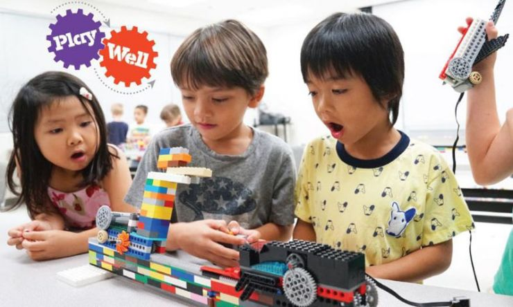 Engineering Summer Camps with LEGO